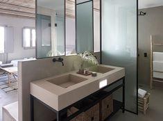 〚 Secluded Seascape Suites hotel in Santorini 〛 ◾ Photos ◾Ideas◾ Design Bathroom Floor Tiles, Bathroom Basin, Modern Bathroom, Bathroom Ideas, Showroom, Small Toilet Design, Regina Spektor, Suites, Amazing Bathrooms