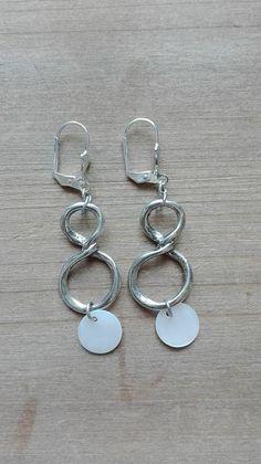 Nacres blanches, longueur 6cm - ref: bo321 - 17€