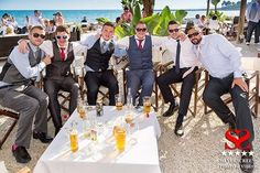 Chilling at #Salitos Bar #silverscreenphotographyvideo #silverscreenweddings #Silverscreen #wedding #photography #video #Spain http://mvnt.us/m223789