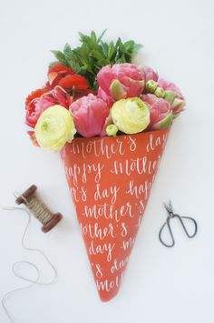 DIY: Personalized Flower Wrap (Perfect for Mother's Day!)
