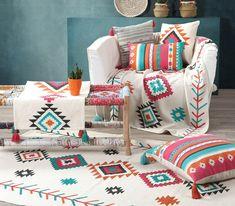 To ethnic στοιχείο είναι πάντα στη μόδα και χαρίζει ένα ξεχωριστό στυλ σε κάθε χώρο. Ανακαλύψτε τη σειρά Colorful που διαθέτει όμορφα σχέδια και χρώματα, και θα ενθουσιάσει ακόμη και τους πιο απαιτητικούς. Meditation Center, Real Estate Houses, Interior Design Studio, Wood Table, Home Art, Home Goods, Interior Decorating, Blanket, Bed
