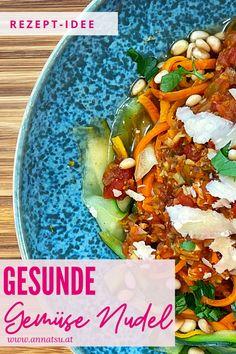 Heute hab ich ein Rezept f+r gesunde Gemüse Nudeln für dich. Diese Gemüse Nudeln sind aus Zucchini und Karotten. Es ist ein leckeres TCM Rezept, welches du einfach zu Hause nachkochen kannst. #GemüseNudeln #GemüseNudelnRezepte #GesundeNudelrezepte #TCMRezepte #TCMErnährung #TCMRezepte5Elemente Ethnic Recipes, Food, Pasta With Vegetables, Healthy Pasta Recipes, Recipes Dinner, Essen, Meals, Yemek, Eten