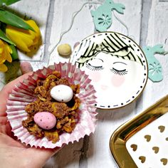 Easter Nest Cakes & Miss Etoile Serving Plate Deaf Children, Serving Plates, Nest, Easter, Cakes, Breakfast, Desserts, Food, Tailgate Desserts