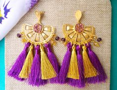 Earrings for all ocassions / Gold and Purple / for bronze lovers / Jewelry made in Colombia. Find us> Instagram @bamboleira