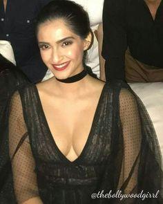 Bollywood Actress Hot Photos, Indian Bollywood Actress, Bollywood Girls, Beautiful Bollywood Actress, Most Beautiful Indian Actress, Beautiful Actresses, Bollywood Stars, Indian Celebrities, Bollywood Celebrities