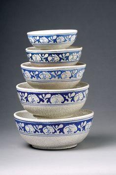 five crackle rabbit bowls