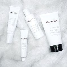 We're excited for @nathb to begin to see beautiful results on her journey towards healthy skin, using #alyria!  #healthyskin #skincare #beauty #madeincanada #canadianblogger