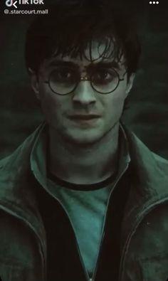 Harry Potter Gif, Magie Harry Potter, Hery Potter, Young Harry Potter, Wallpaper Harry Potter, Daniel Radcliffe Harry Potter, Mundo Harry Potter, Harry Potter Pictures, Harry Potter Characters