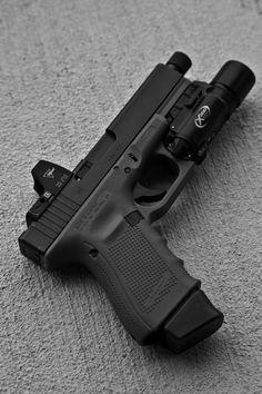 Glock RMR threaded barrel extended mag light