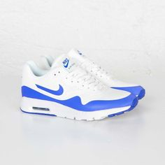 Photos and purchase information for the Summit White / Racer Blue-White Nike Womens Air Max 1 Ultra Moire, style 704995-100.