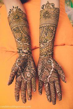 Mehendi Designs - Bridal Mehendi Hand Design with Intricate Caricatures | WedMeGood #wedmegood #indianbride #indianwedding #mehendi #mehendidesign #mehandi #intricate