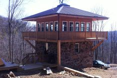 Green Collar Living In The Mountain State Mountain Tower Control Grid Cabin. Off Grid House, Off Grid Cabin, Tiny Cabins, Cabins And Cottages, Cabin Plans, House Plans, Small Guest Rooms, Lookout Tower, Tower House