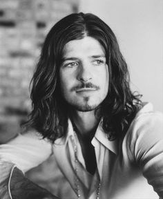 Robin Thicke before recent success. Dear God....he's sexy.