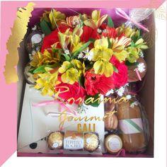Flores desayuno ó merienda #box #breakfastlovers #desayunos #desayunoscali #calicolombia #florescali #regalos #flower Cali, Ferrero Rocher, Box, Gourmet, Afternoon Snacks, Breakfast, Presents, Flowers, Snare Drum