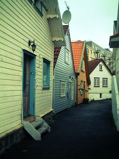 Photo: Matthew Colvin de Valle | Stavanger Houses , Some old wooden houses in the industrial area of Stavanger, just in front of the Aker Kvaerner office building.