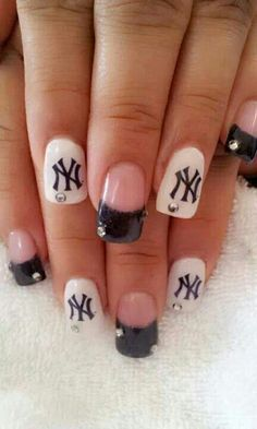 I want these nails for baseball season!!!! #NYY #Yankees