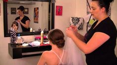 How to Insert and Remove A Wedding Veil
