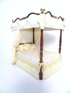 Joe Murter Sheraton Bed : Lot 741