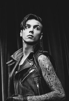 BRUH. BRUH. BRUH. ANDY IS MORE THAN PERFECTION. OMG