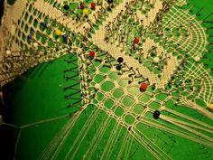 Milanos continuados a medio punto y lienzo - YouTube Clash Of Clans, City Photo, Youtube, Videos, Bobbin Lacemaking, Crochet Squares, Waves, Canvases, Dots