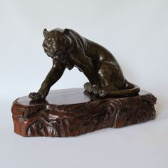 GENRYUSAI SEIYA SEATED BRONZE TIGER. Just Japanese antiques are based in Chichester, England.