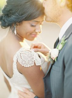 Inspiración Bodas - http://inspiracionbodas.blogspot.com.es/2014/10/novias-con-pamela-hat-brides.html