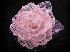 ピンクのひらひら薔薇ビーズコサージュ #カザリ咲色 #ビーズ #ビーズフラワー #ビジュー #ハンドメイド #コサージュ #手作り #手芸 #アクセサリー #bead #beads #bijou #beading #beadedflower #beadswork #beadwork #beadsph #bijoux #beaded #biser #corsage #rose #handmade