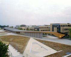 Under One Roof / Kengo Kuma & Associates