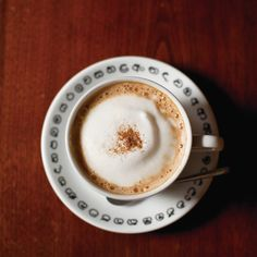 寒い冬にぴったり!ミルクティーにスパイスが効いた「チャイ」が好きな人も多いのでは?今回は、吉祥寺と西荻窪で楽しめる、紅茶やスパイスの専門店とインド料理店のこだわりの一杯をご紹介。