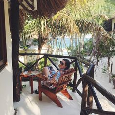 Tulum, Riviera Maya. México.     Room with a view. Así estamos: cafecito en nuestro balcón de #Tulum 🙆  #viajehype #tulumhype #mexicohype #mexico