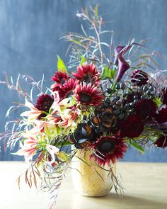 DIY | Black autumn arrangement | Color series | Kiana Underwood | tulipina.com