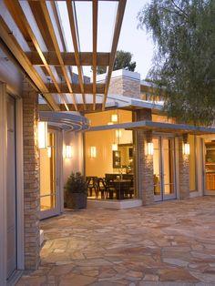 Ideas For Patio Pavers Flagstone Crazy Paving Outdoor Patio Pavers, Paver Walkway, Indoor Outdoor, Outdoor Living, Outdoor Rooms, Screened Patio, Backyard Patio, Porches, Crazy Paving