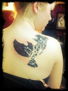 not that i should get any more birds tattooed BUT.. this is so cool...