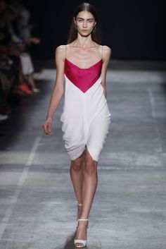 Narciso Rodriguez Spring 2013 Ready-to-Wear Fashion Show - Marine Deleeuw