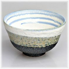 Cha Wan innenseitig mit blauer Spiralzeichnung, Teeschale für Zeremonie
