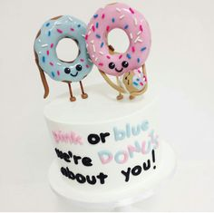 A must have gender reveal cake if your bonkers about donuts!!❤