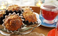 Kulinaari-ruokablogi: Syysiltojen maistuvimmat cheddar-kaalimuffinit Cheddar, Breakfast, Food, Morning Coffee, Cheddar Cheese, Essen, Meals, Yemek, Eten