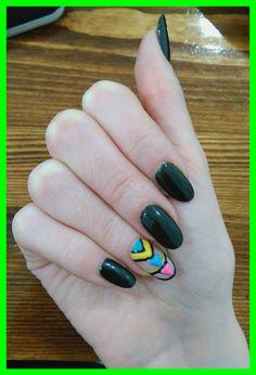 Shellac grey nails desings