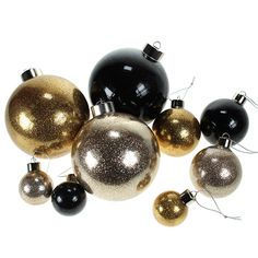 Kaada lasipalloliimaa lasipallon sisään. Pyörittele palloa siten, että liimaa tulee joka paikkaan. Kaada ylimääräinen liima pois. Kaada kimallejauhetta pallon sisään. Pyörittele siten, että kimallejauhetta tulee joka paikkaan. Kaada ylimääräinen kimalle pois. Anna kuivua.