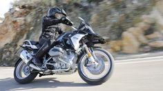 Jetzt lesen: Fahrbericht BMW R 1200 GS - Neuer Dress für die GS - http://ift.tt/2jFkUmD #nachrichten