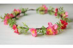 Corona de flores rosa y verde. por TheLittleNemo en Etsy