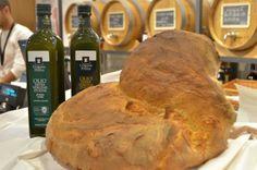 Pane di Altamura - Olio extra vergine di oliva  Corona delle Puglia