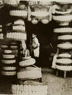 Ferenc Berko, Denture Shop, Rawalpindi, India.