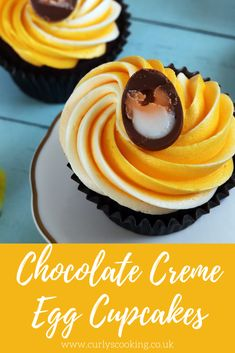 Delicious chocolate cupcake with a gooey Creme Egg hidden inside - these Chocolate Creme Egg Cupcakes are the perfect cupcakes for Easter! My Recipes, Cooking Recipes, Easy Easter Desserts, Cocktail Sticks, Cupcake Cases, Creme Egg, Gel Food Coloring, Easter Cupcakes, Delicious Chocolate
