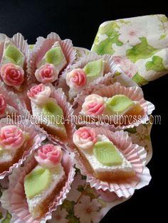"""cuisine à 4 mains  """"taminet louz """" pâte d'amande à la rose"""