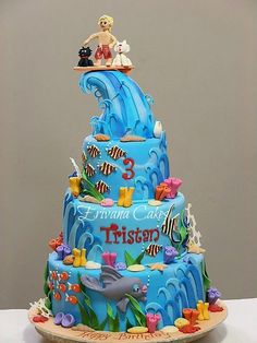 Ocean Cake - oh my!  I am in <3 with this!