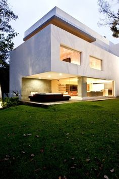 Canada House by GrupoMM in Mexico by Contemporist Beautiful Architecture, Contemporary Architecture, Contemporary Design, Residential Architecture, Interior Architecture, Future House, Canada House, Exterior Design, Villa