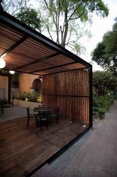 , 30 wunderbare Outdoor-Zimmer Hinterhof Pergola Design-Ideen - There are several items that can certainly last but not least comprehensive your current backyard,. Diy Pergola, Pergola With Roof, Outdoor Pergola, Pergola Shade, Patio Roof, Outdoor Rooms, Outdoor Living, Outdoor Decor, Pergola Lighting