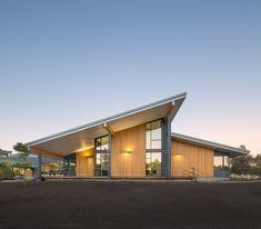 Cascades Academy do Campus Central de Oregon -  Hennebery Eddy Architects | Bend, EUA - 2013