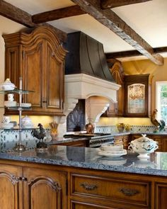 Love the mix of materials in this kitchen by Linda Floyd Interiors